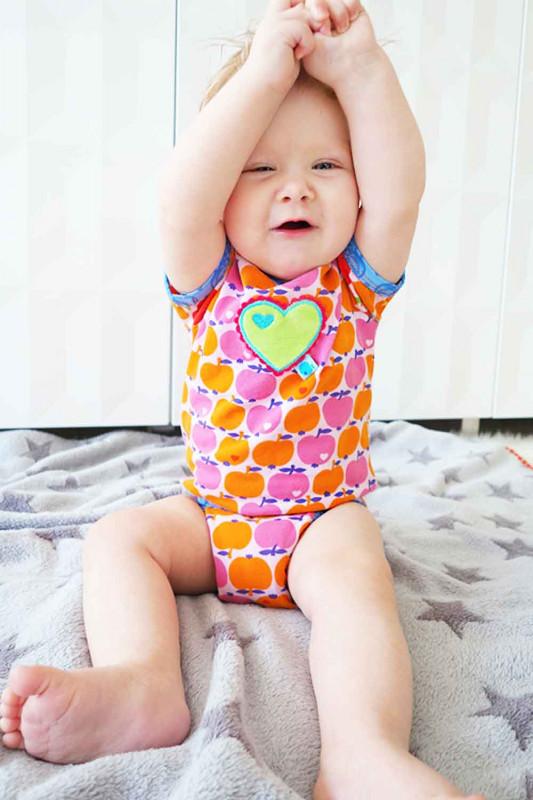 Babybody nähen - Schnittmuster für Baby-Erstausstattung