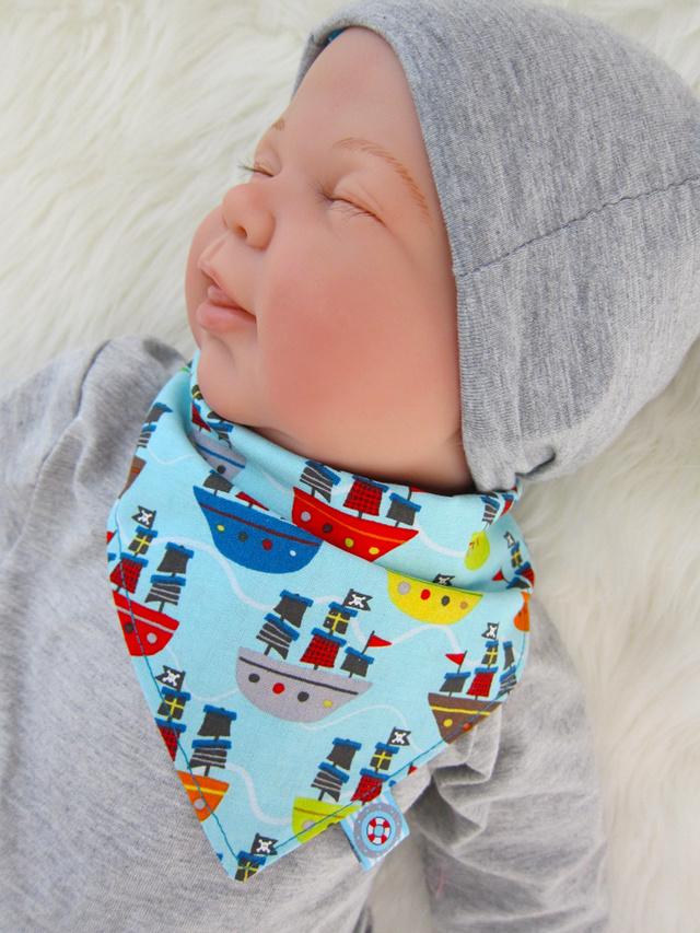 Kostenlose Nähanleitung Baby-Halstuch | farbenmix