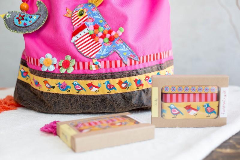 PacksEin Einkaufstasche mit Vogel Borte
